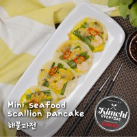 Mini seafood scallion pancake / 미니해물파전